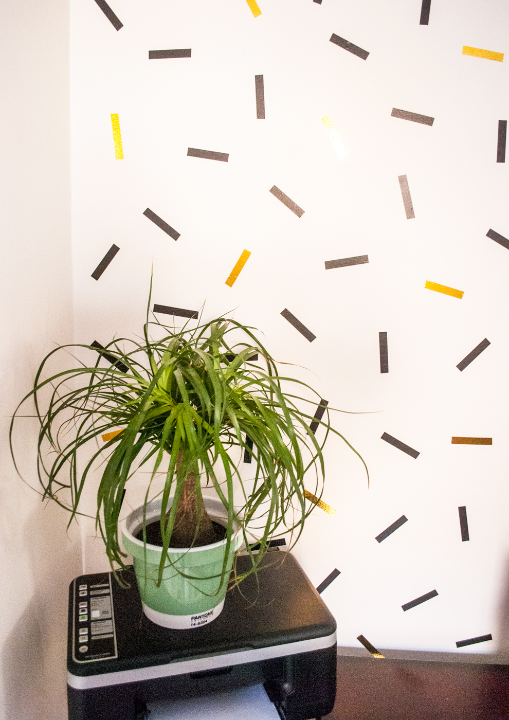 DIY oversized confetti mural (with washi tape!)   freckleandfair.com