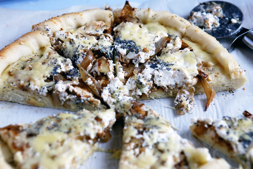 Everything bagel pizza with onions   freckleandfair.com