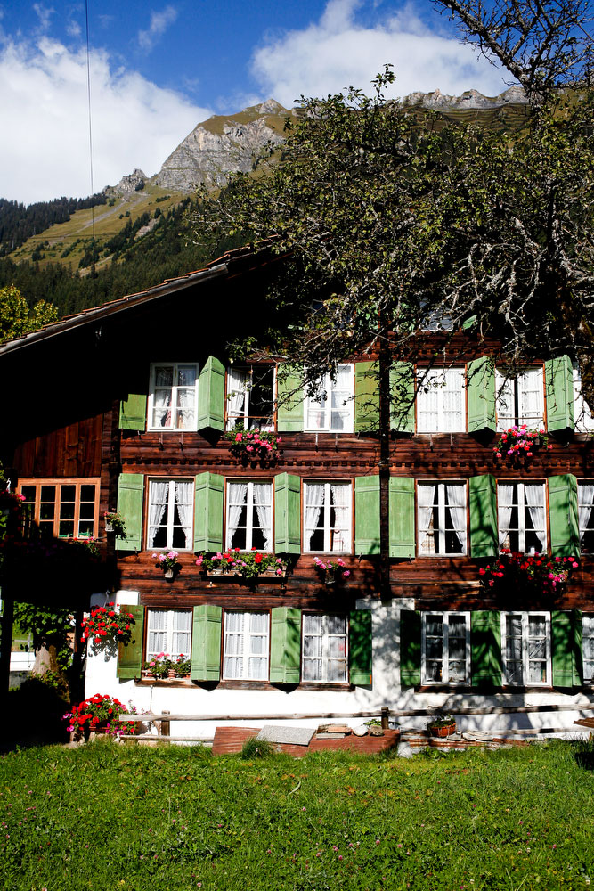 Wengen — A guide to the Bernese Alps of Switzerland | freckleandfair.com