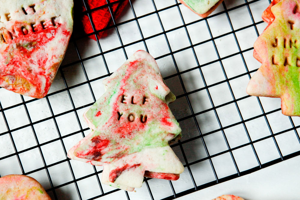 Sassy marbled sugar cookies for Christmas | freckleandfair.com