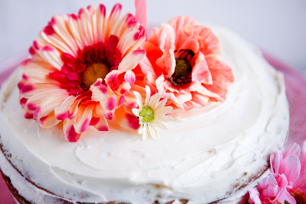 Maple cake with bourbon buttercream frosting | freckleandfair.com