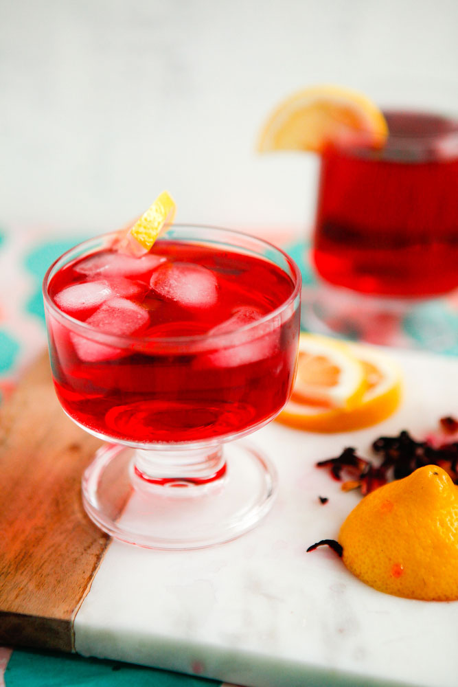 Black Raspberry & Hibiscus Gin Sparkler | freckleandfair.com