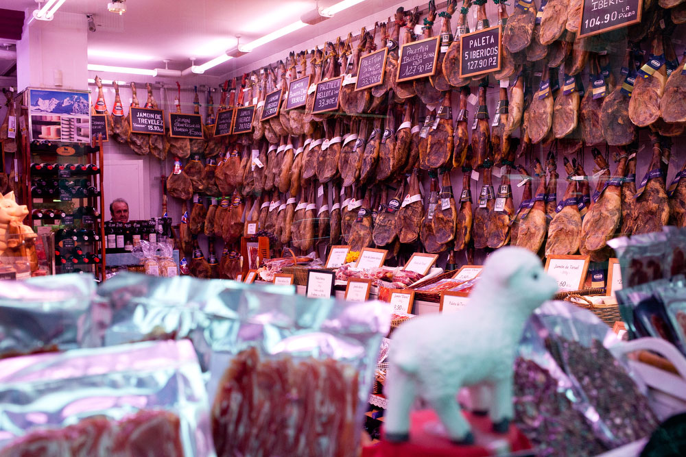Iberian ham | What to do in Barcelona | freckleandfair.com