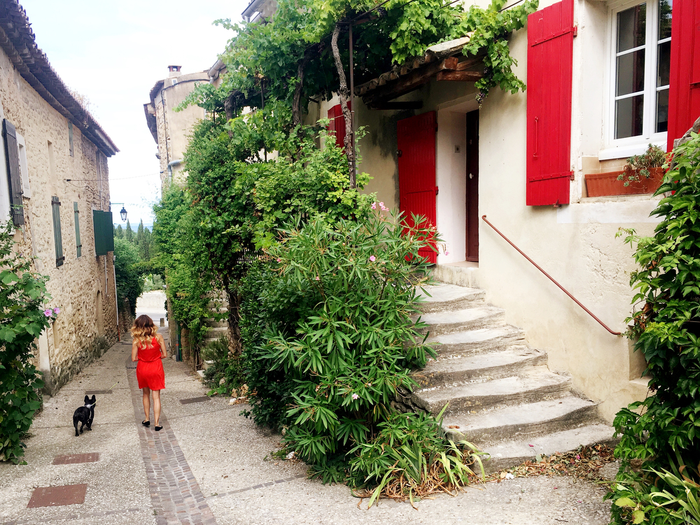 A girls' trip to Provence, France   freckleandfair.com