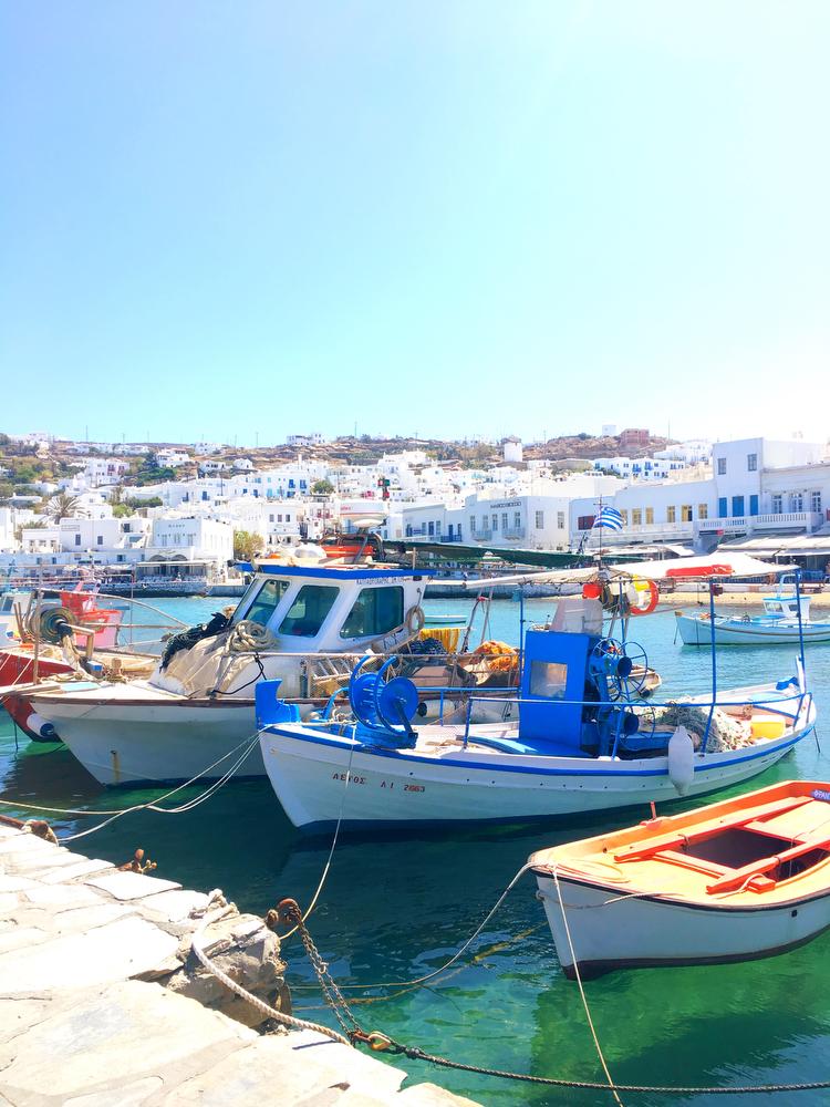 A guide to Mykonos, Greece | www.freckleandfair.com