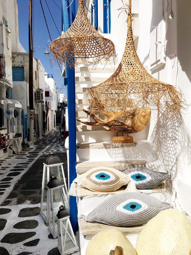 Mykonos City chora   A guide to Mykonos, Greece   www.freckleandfair.com