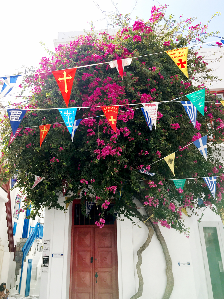 A guide to Mykonos, Greece   www.freckleandfair.com