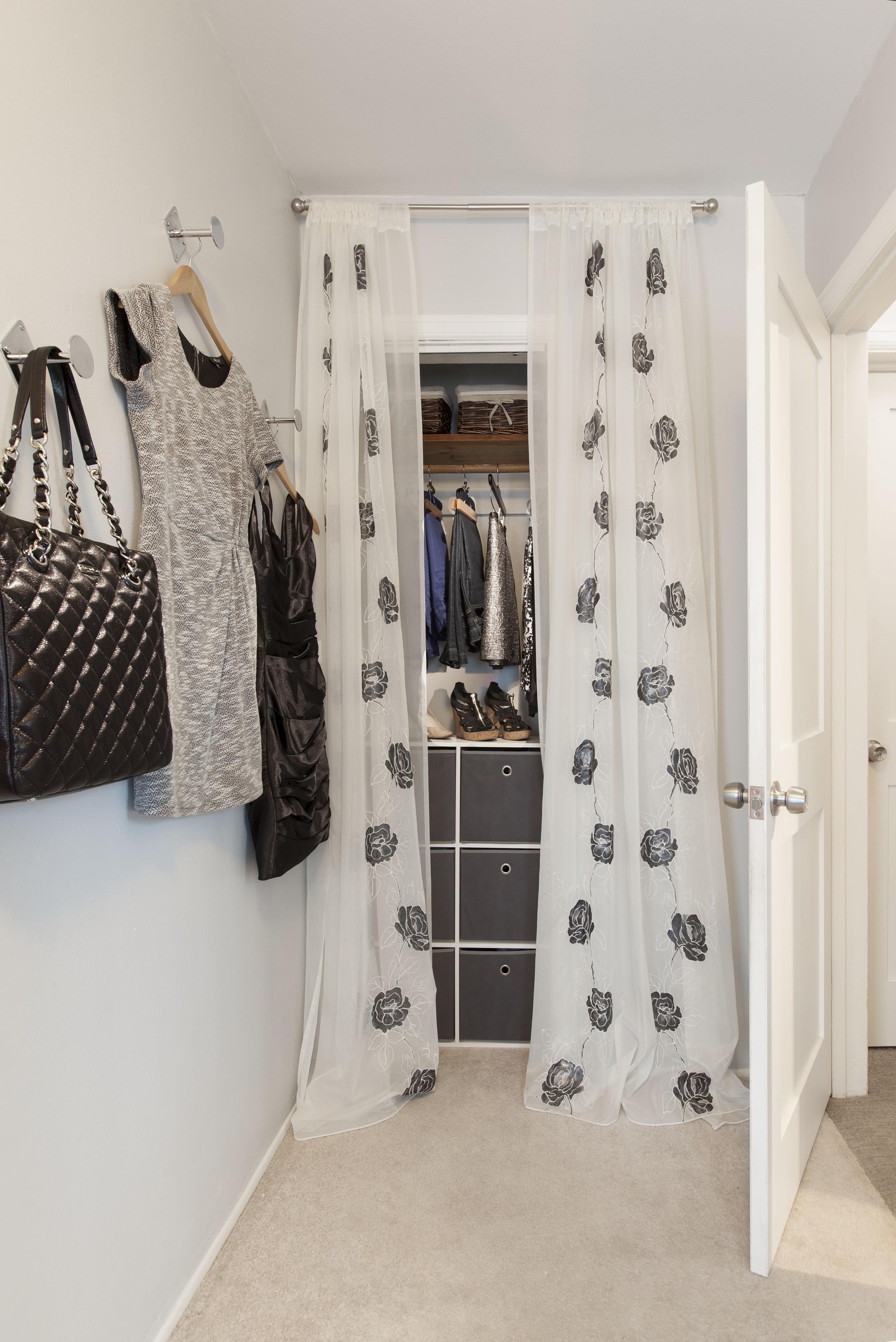 JZID-Dressing-Room-Redesign_Closet.jpg