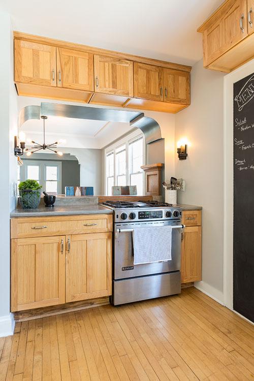 JZID-Newton-Avenue-Bungalow_kitchen.jpg