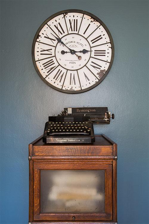 JZID-Newton-Avenue-Bungalow_office-clock-closeup.jpg