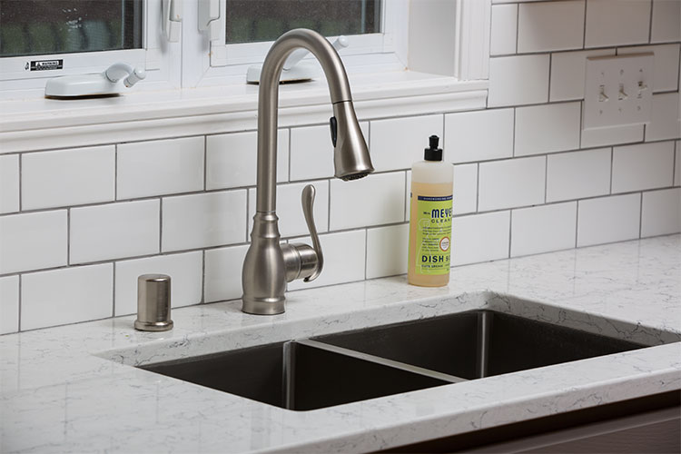 JZID-South-Pond-Kitchen_sink-closeup.jpg