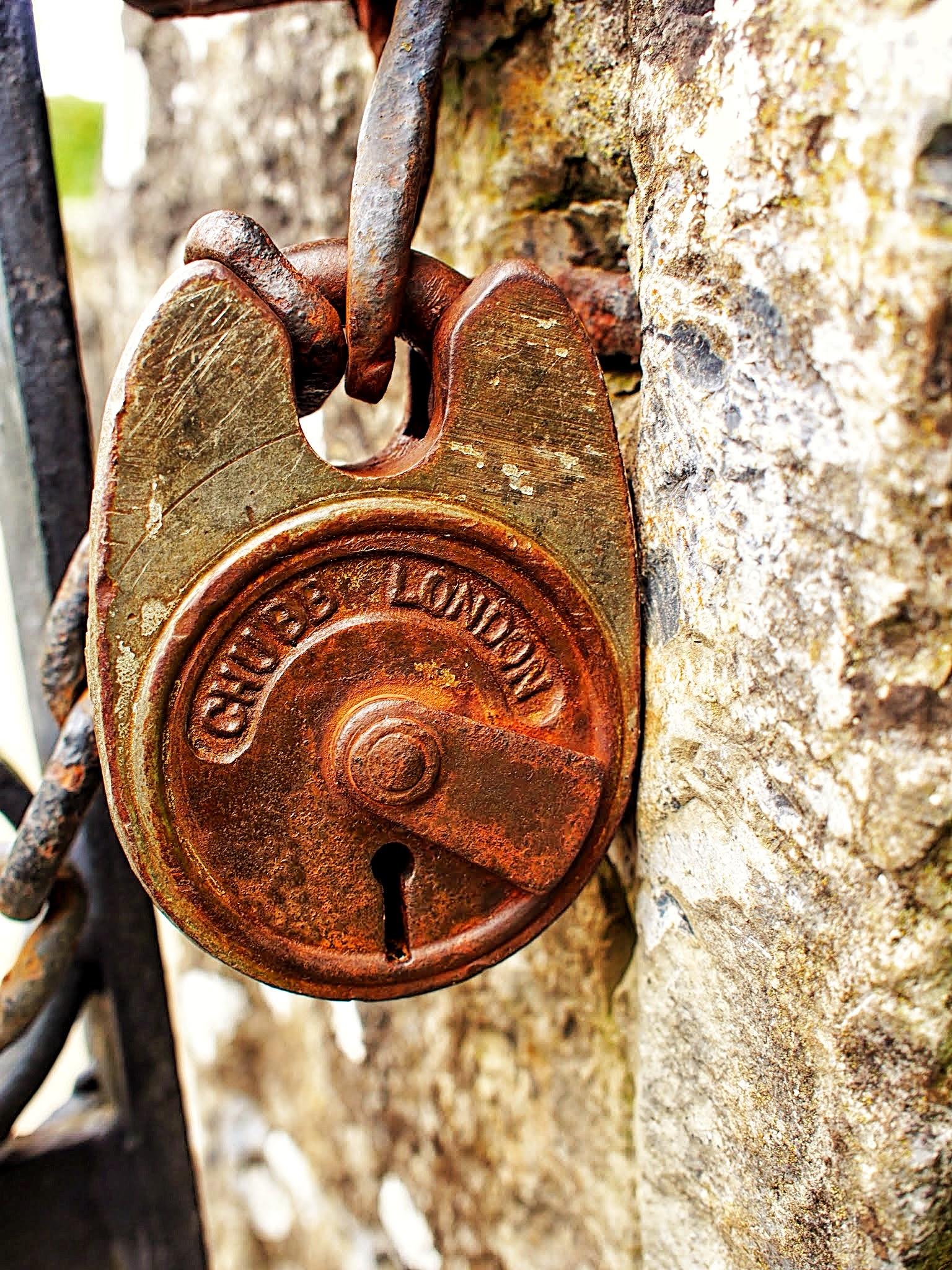 Stacie's new addiction - old locks