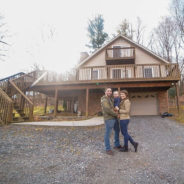 I know it's been quiet but things have been crazy ! We bought a house here in the mountains and sold our house on the coast and things are finally settling down ! I have some amazing weddings and sessions coming up and I cannot wait to share them with you all. Thank you for sticking around loves ❤️