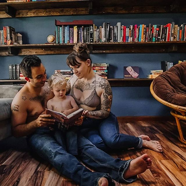 """children become readers in the laps of their parents"" #ourhouse #reno #library #phoenixaion #boone #familygoals #northcarolinaphotographer #828 #336 #lifestylephotography"