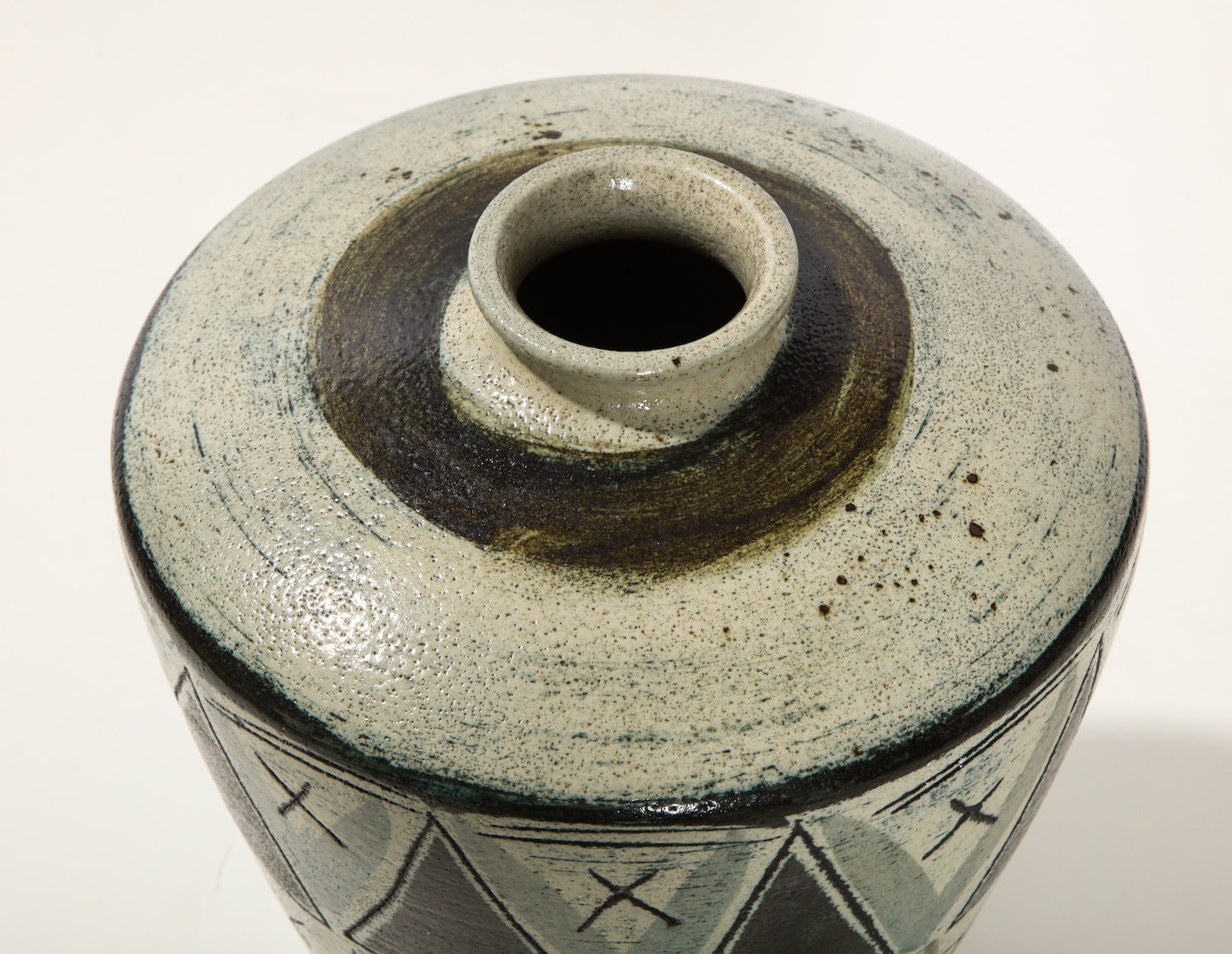 Anders Bruno Triangle Vase 4.jpg