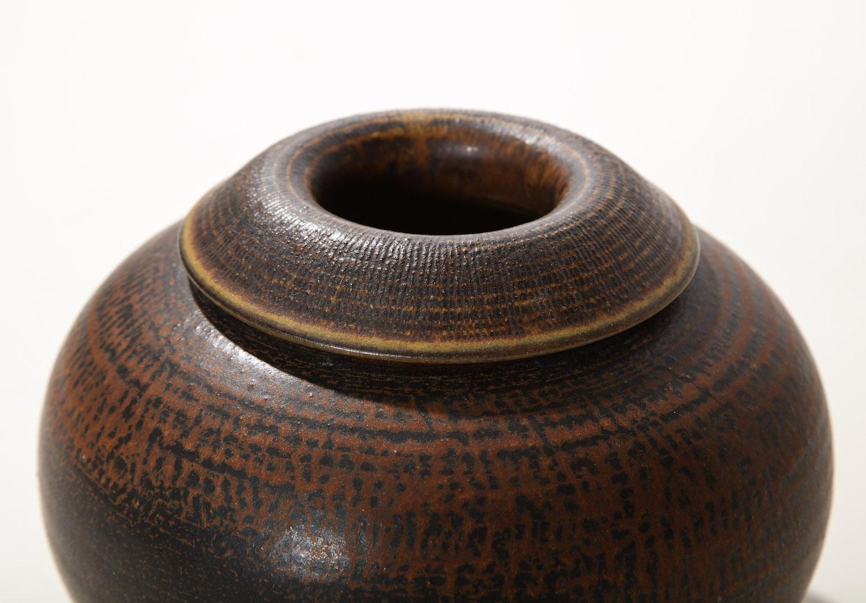Kage Farsta Low Vase 1.jpg