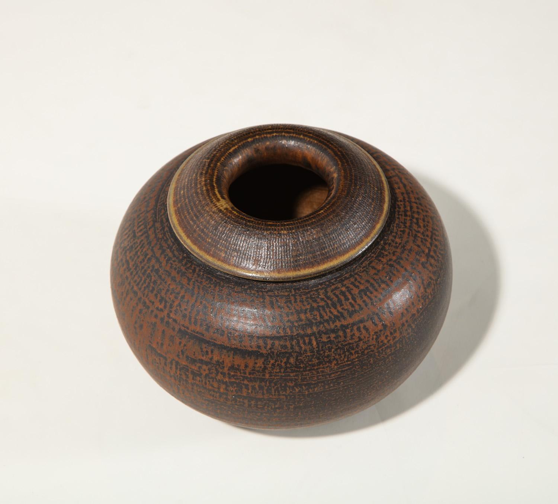 Kage Farsta Low Vase 4.jpg