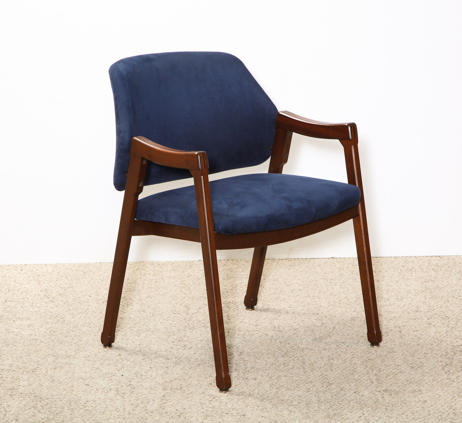 Parisi Chair 1.jpg