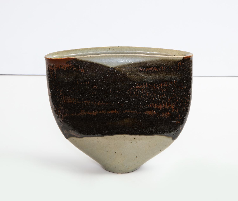 gerald weigel flat vase 1.jpg