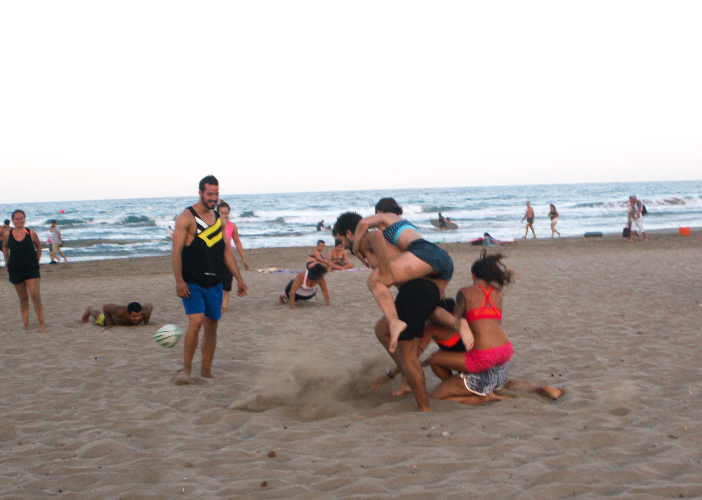 Full_CrossFit_Beach_Wod_V2_2015-18.jpg