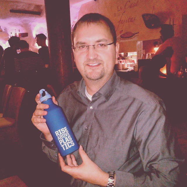 Bernd Geisler, one of our first winners, now uses this alu bottle and avoids single use plastic water bottles.