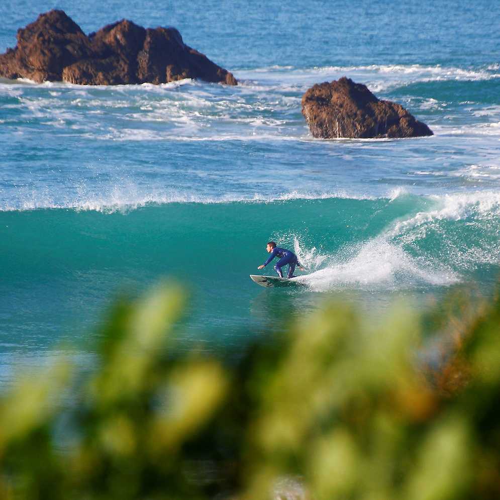 Surfurlaub machen und zugleich einen gute Zweck unterstützen? Oceano Surf Camp bietet diese tolle Kombination in Conil de la Frontera in Adalusien.