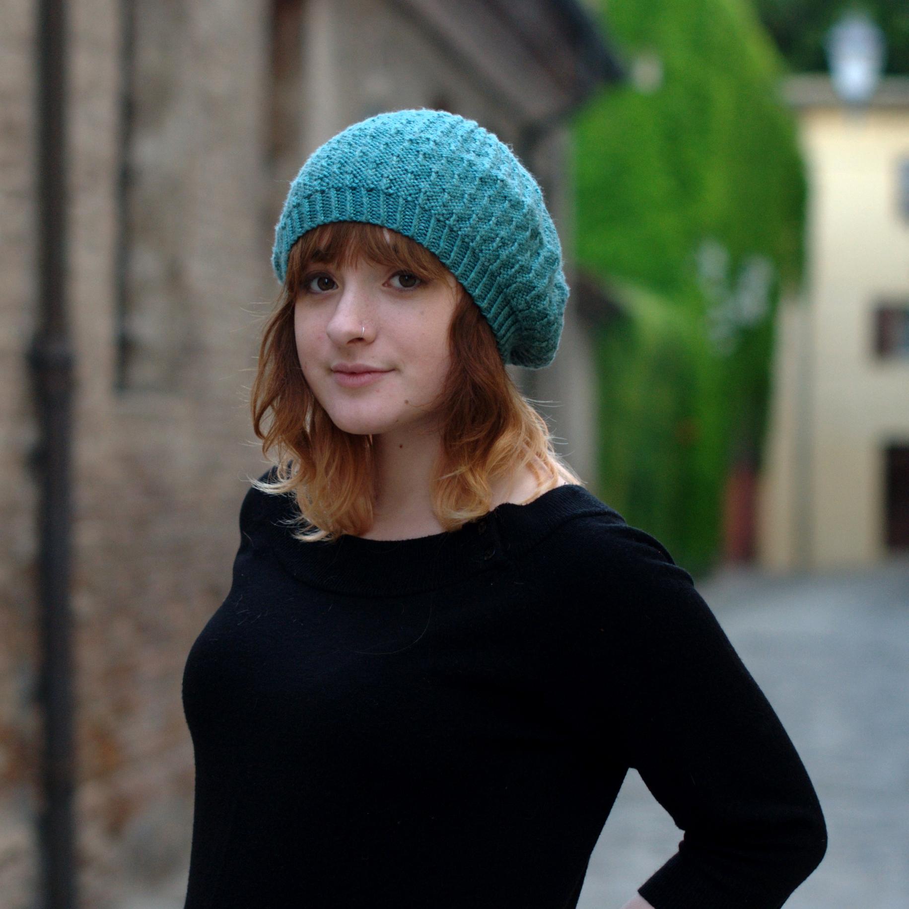 Annular beret pattern