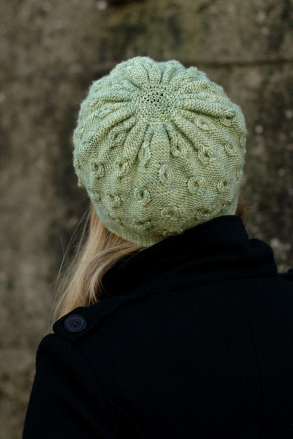 Encircle cloche Hat knitting pattern