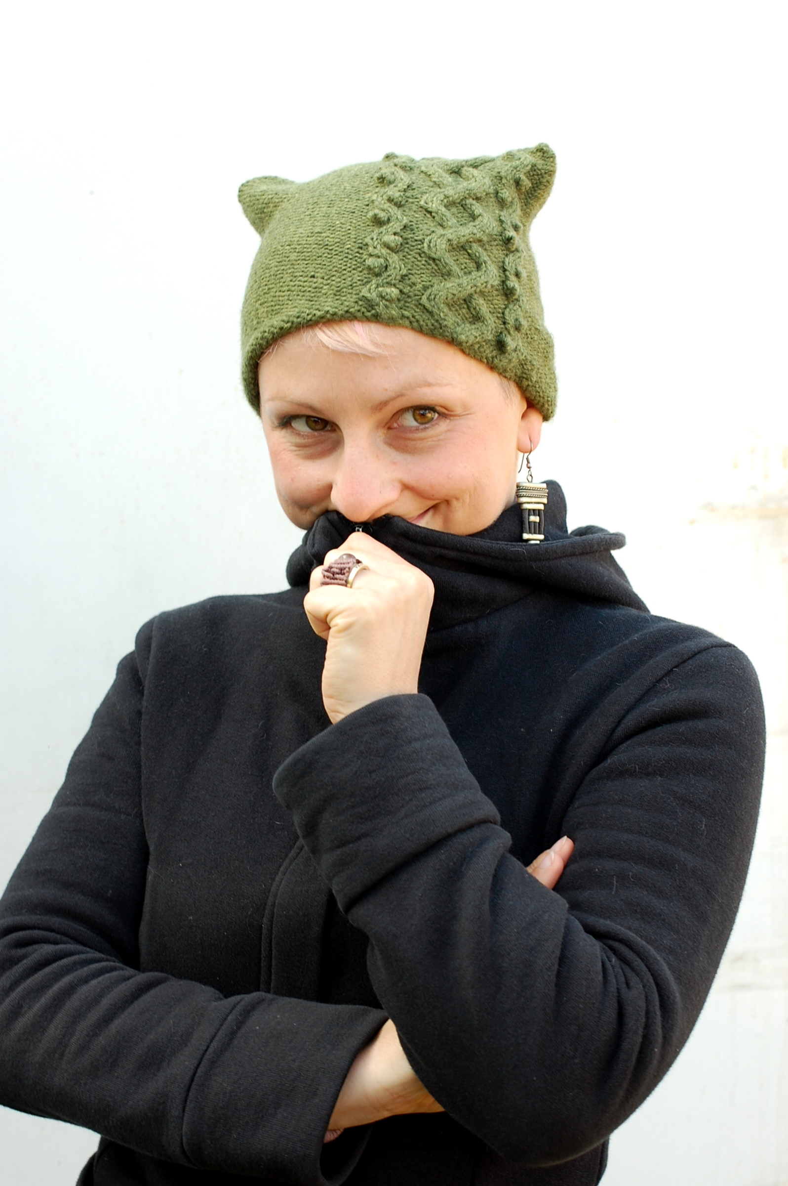Floralys asymmetrical cable Hat knitting pattern