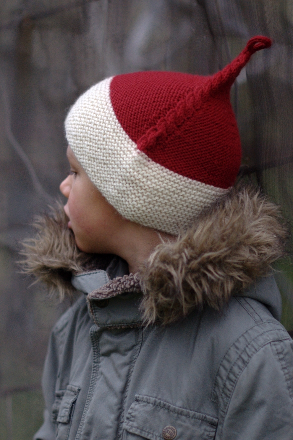 Kabouter cable pixie Hat knitting pattern