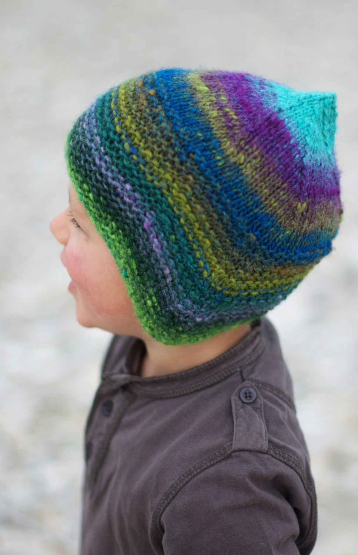 Quynn chullo pixie Hat knitting pattern