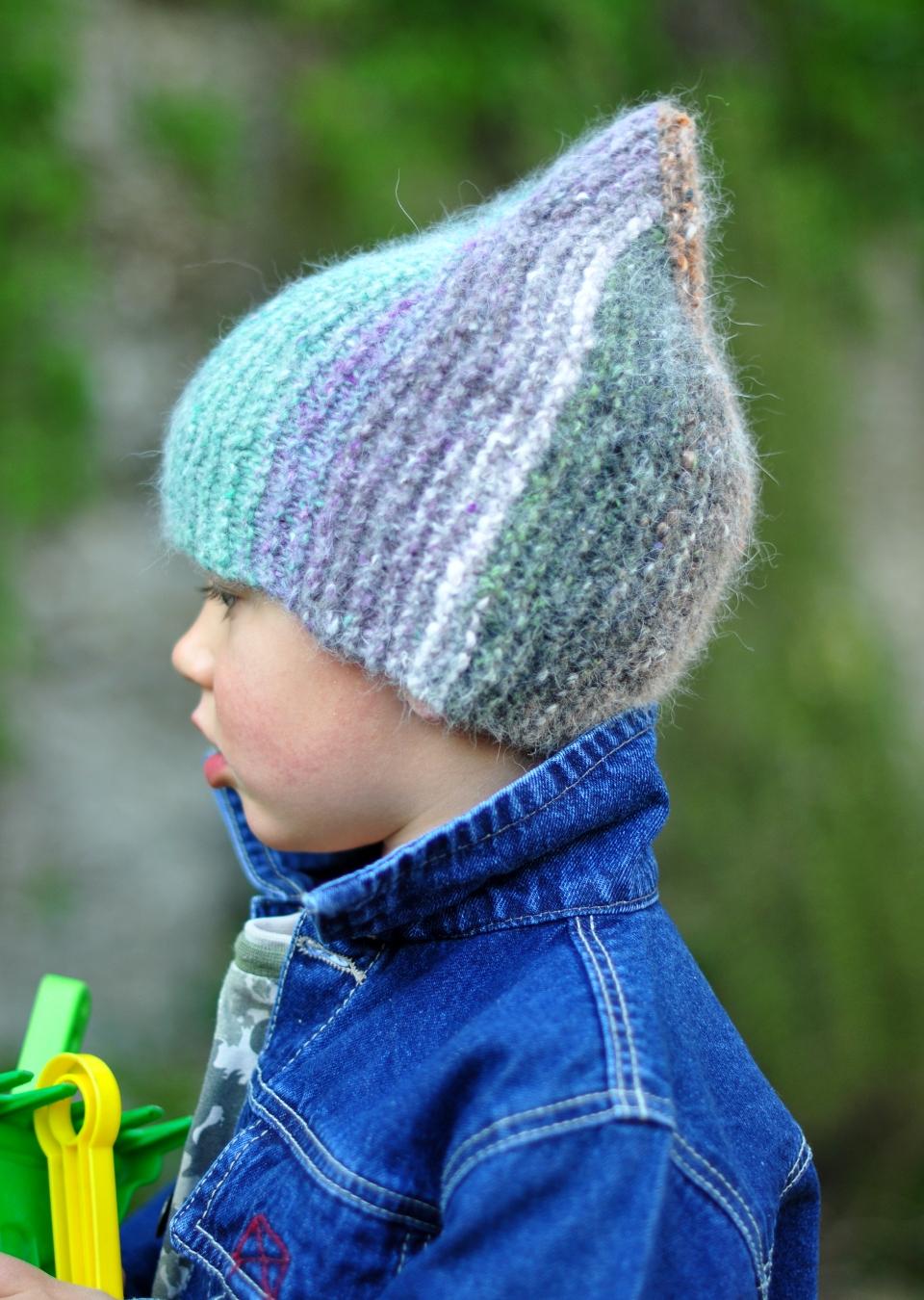 Rocketeer garter stitch pixie Hat knitting pattern