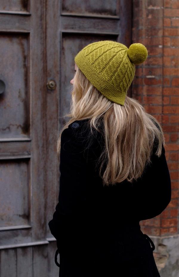 Skelter split brim pompom Hat knitting pattern