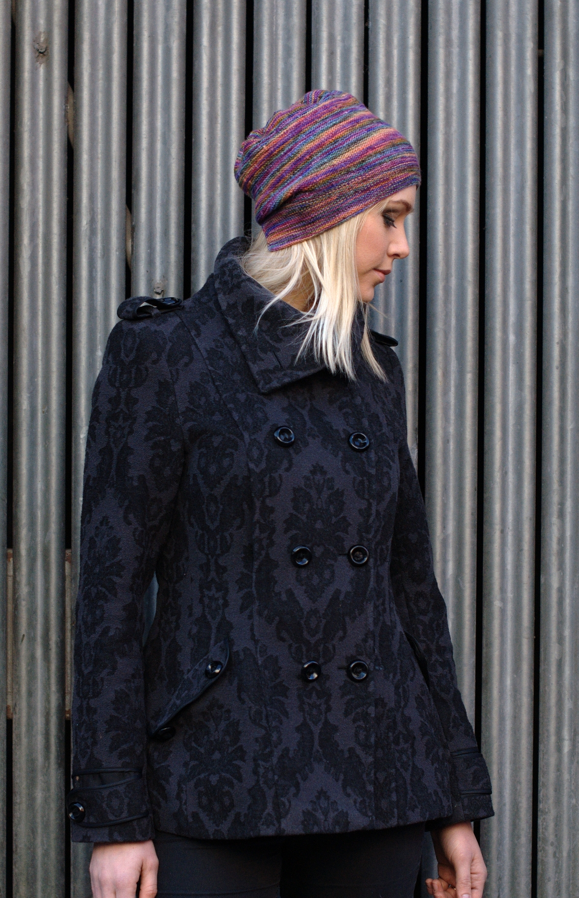 Risalire Hat knitting pattern for hand painted yarns