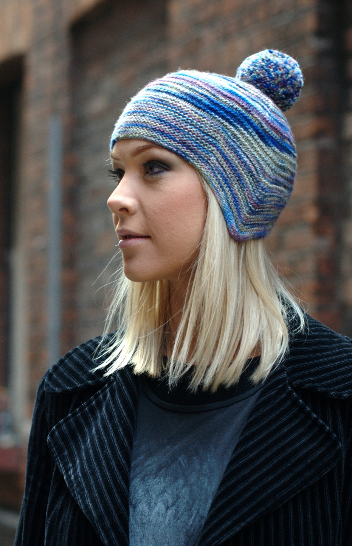 Cornice chullo Hat knitting pattern for variegated yarns