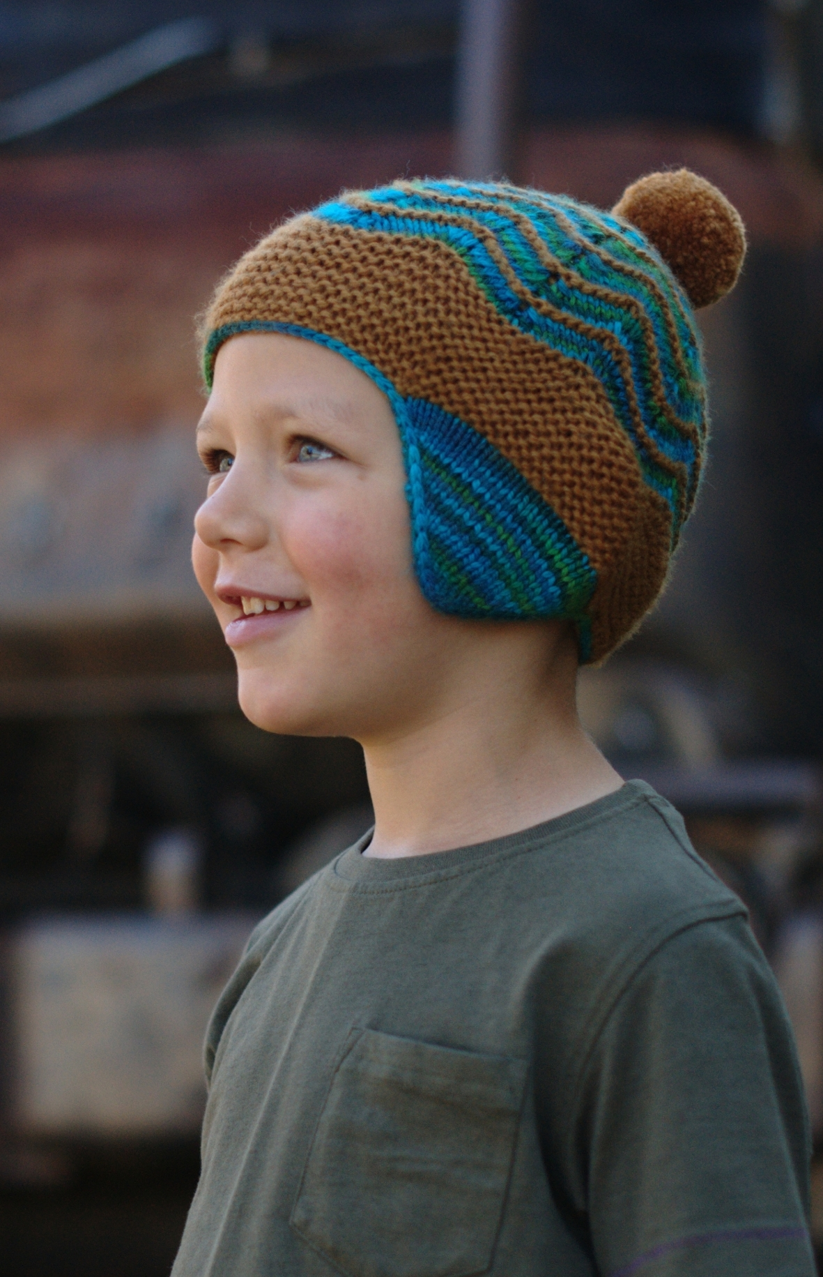 Selkie pompom chullo Hat knitting pattern