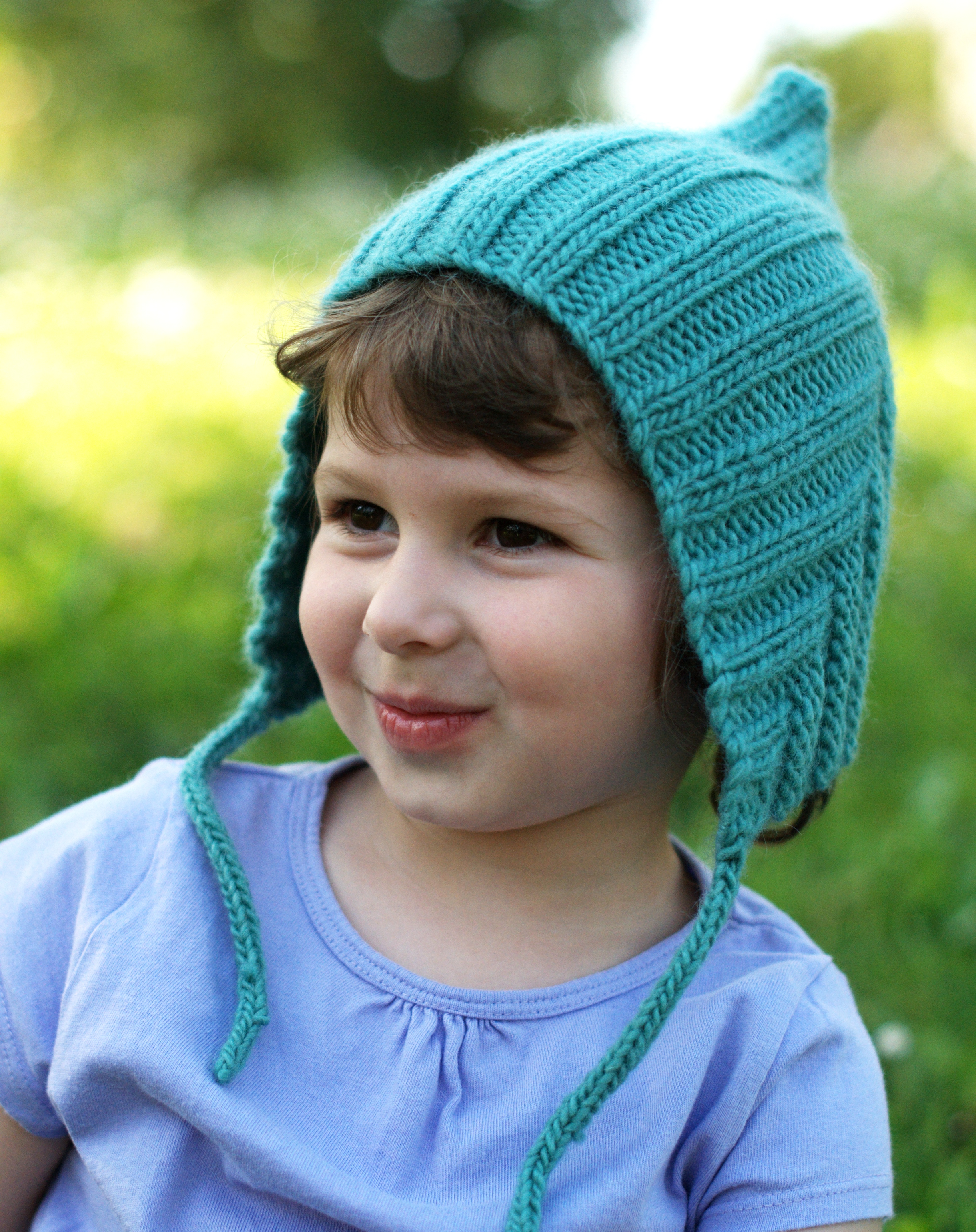 Pixetta childs bonnet knitting pattern