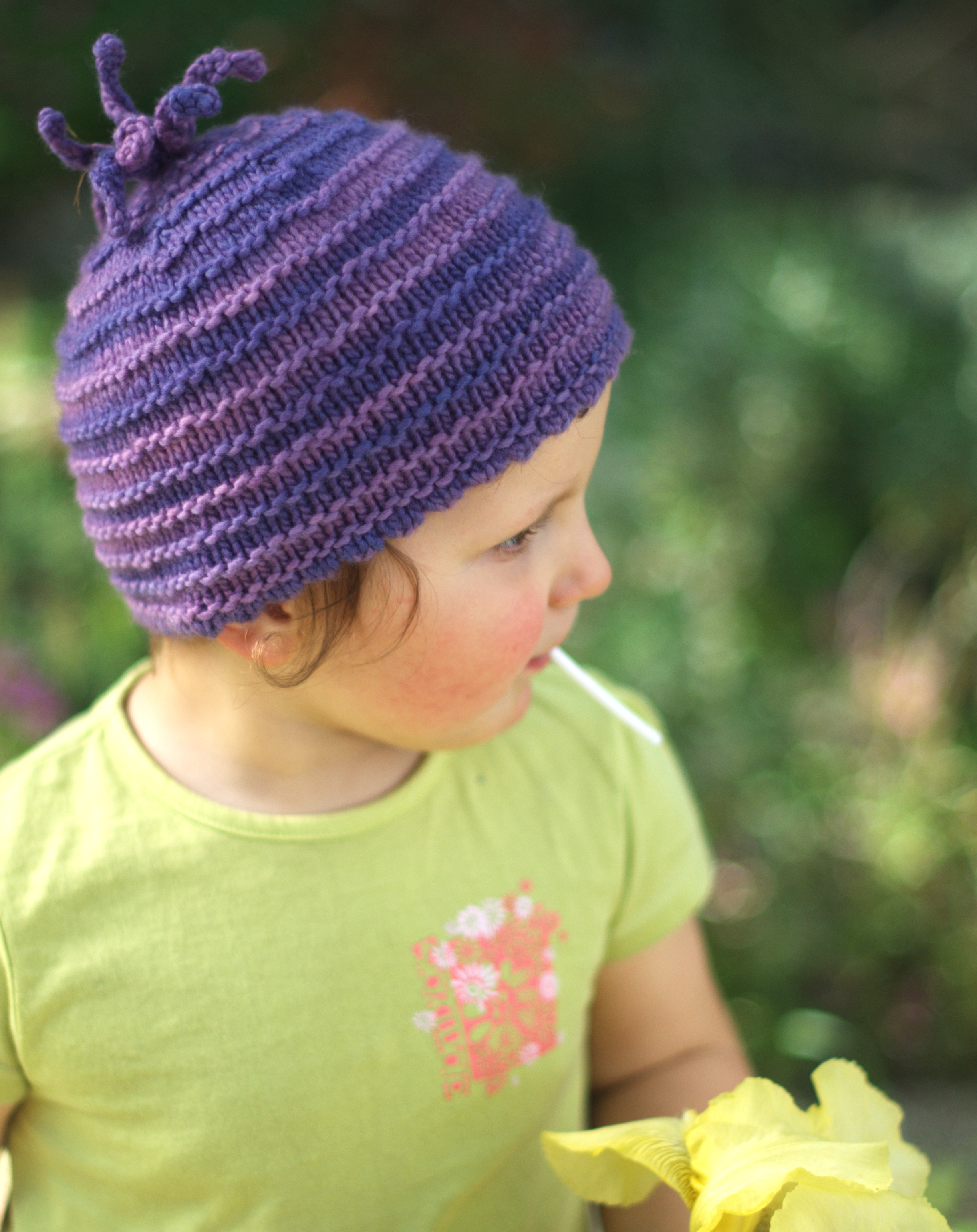 Pootle childs Hat knitting pattern for variegated yarns