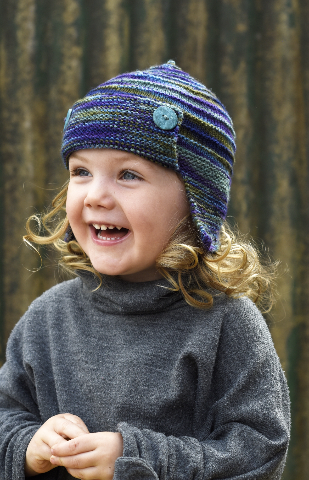 Aerial aviator Hat knitting pattern for hand-dyed sock yarn