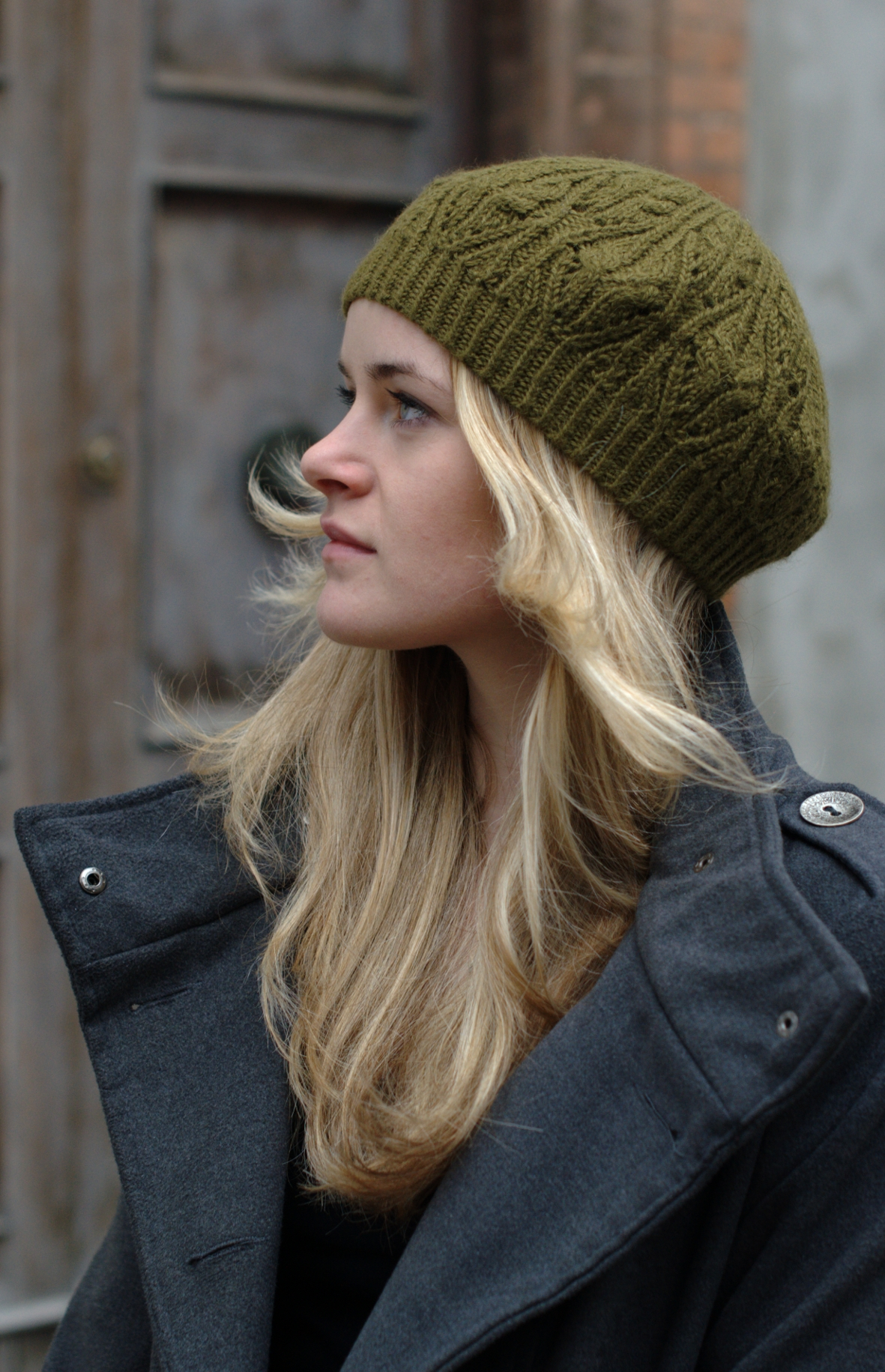 hand knitting pattern for the Corella cable and lace beret