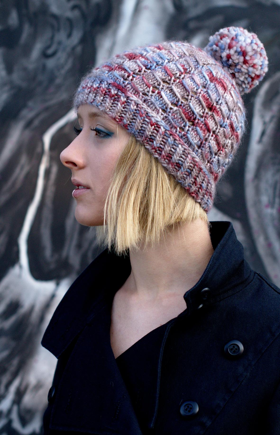 Laccio hand knit beanie pattern for aran weight yarn