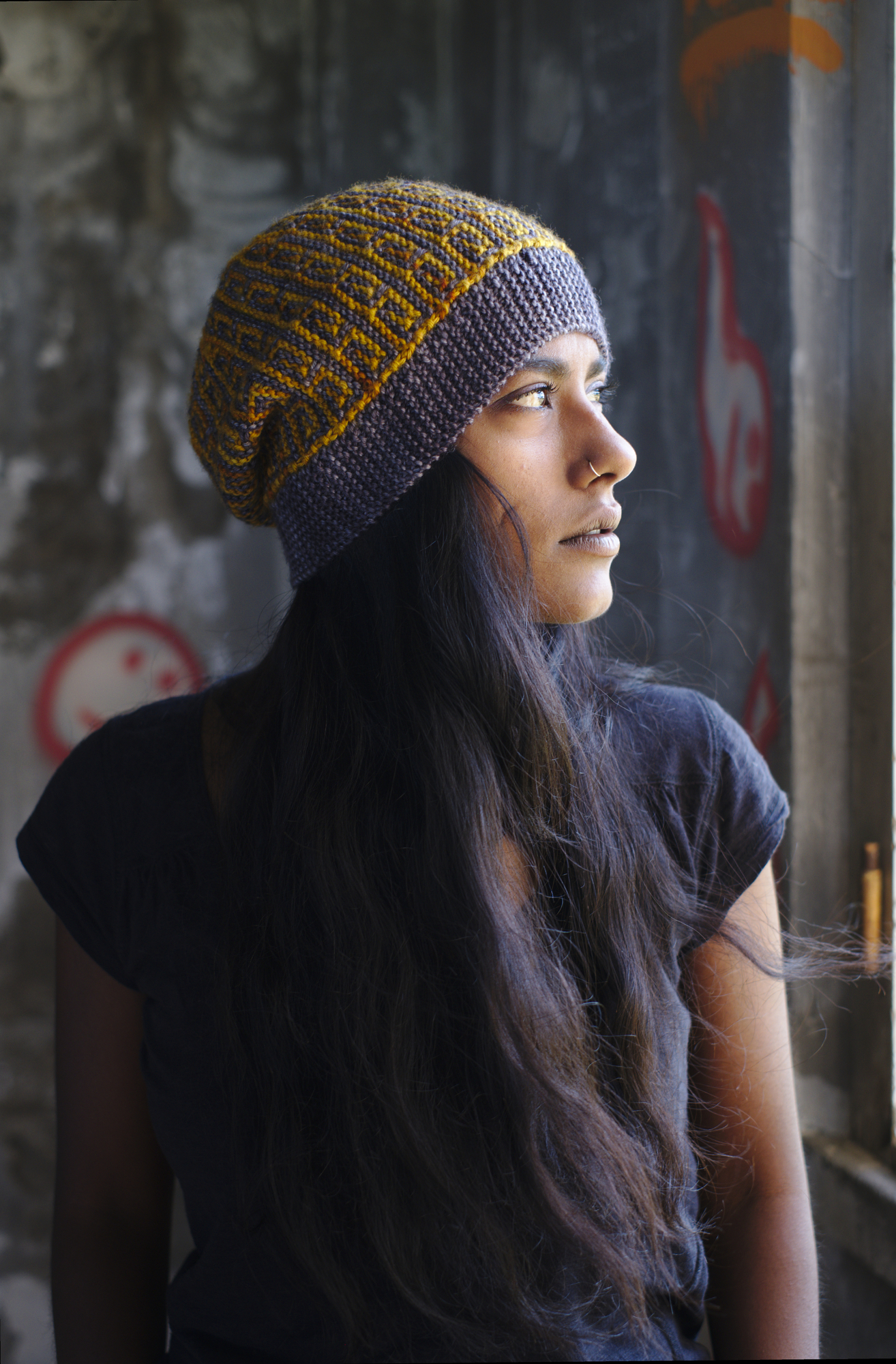 sideways knit mosaic hat knitting pattern for dk weight yarn