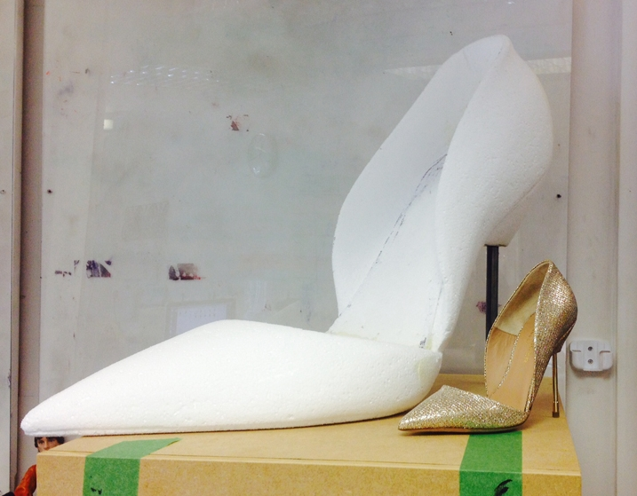 Oversized-gold-shoe-sculpt-1.jpg