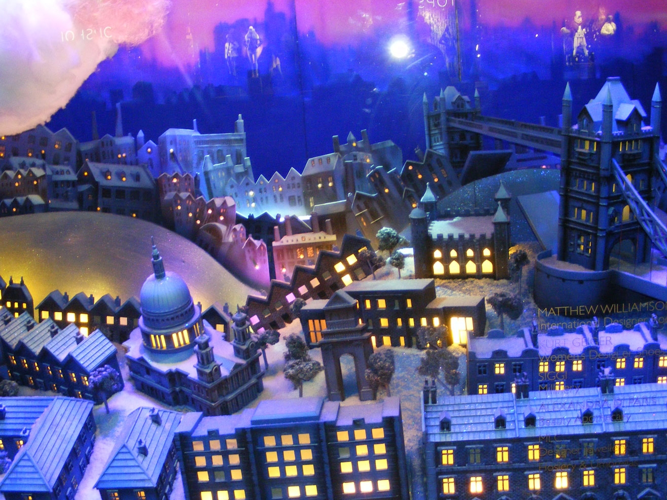 PETER PAN WINDOWS - HARRODS  October 2010
