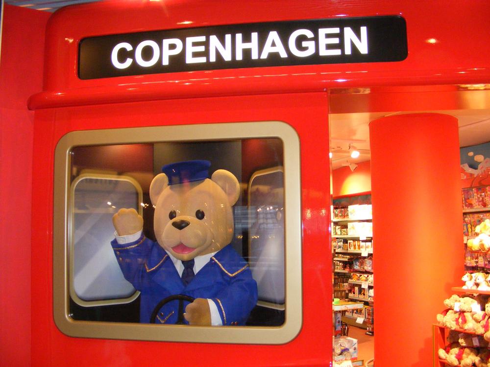 Hamleys-Bear-Hamleys-Copenhagen-Store-Development