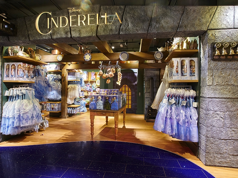 CINDERELLA INSTORE - DISNEY STORE    March 2015