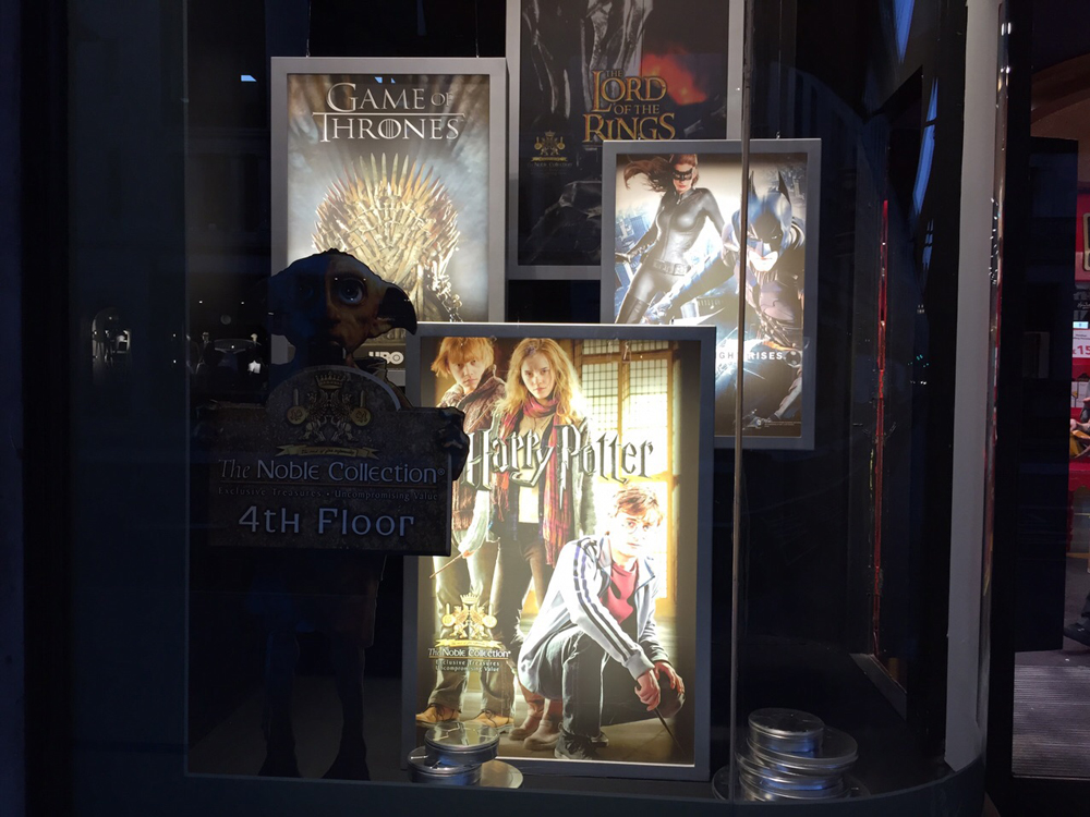 Window-Displays,-Hamlyes,-LED-light-boxes,-The-Noble-Collection,-Lord-of-the-Rings-Game-of-Thrones,-Harry-Potter.jpg