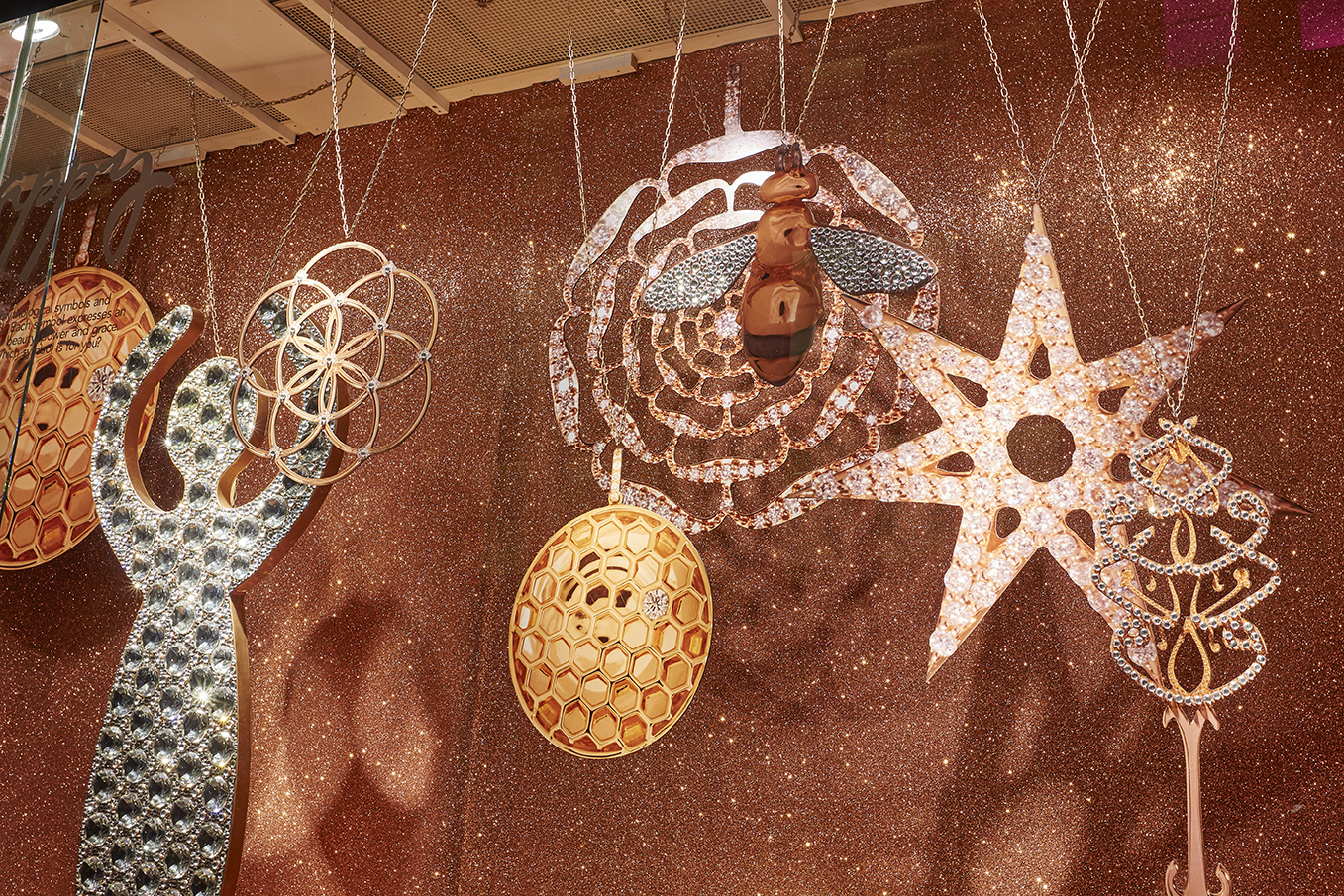 Fenwicks, Window Display, Bee Jewellery, Props, Fashion, Accessories, Bond Street Retail 3.jpg
