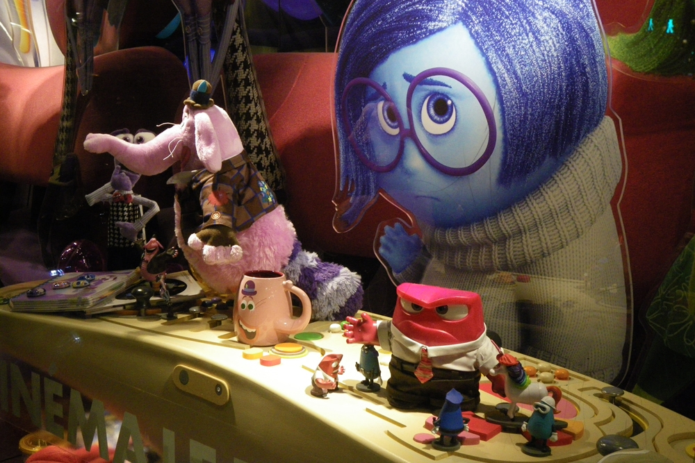 WindowDisplay-Inside-Out-Disney-Props-Sculpts--Scenic-Painting-Control-desks-&-props.jpg