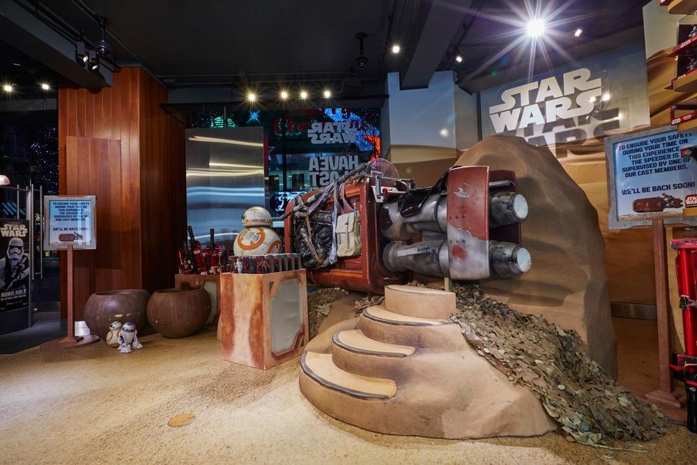 Star-Wars,-Disney-Store,-Oxford-Street,-Shop-Fittings,Visual-Merchandising,-Props-&-Sculpts,-Droid-BB8.jpg